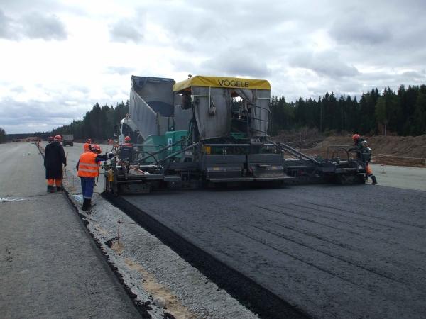 Construction de l'autoroute Moscou – St. Petersbourg : un partenariat entre Vinci et les municipalités Russes