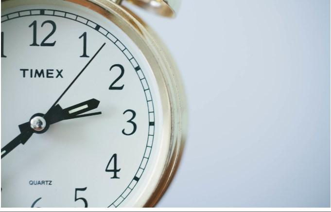On ne peut pas arrêter le temps. On peut seulement le dépenser intelligemment…